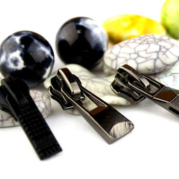Garment Accessories - FABRIC & TEXTILE ACCESSORIES